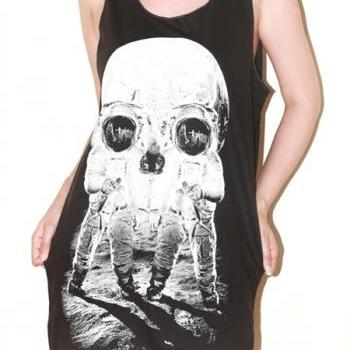Astronaut Skull Illusion Charcoal Black Art Singlet Tank Top Sleeveless Shirt Women Indie Rock T-Shirt Size M